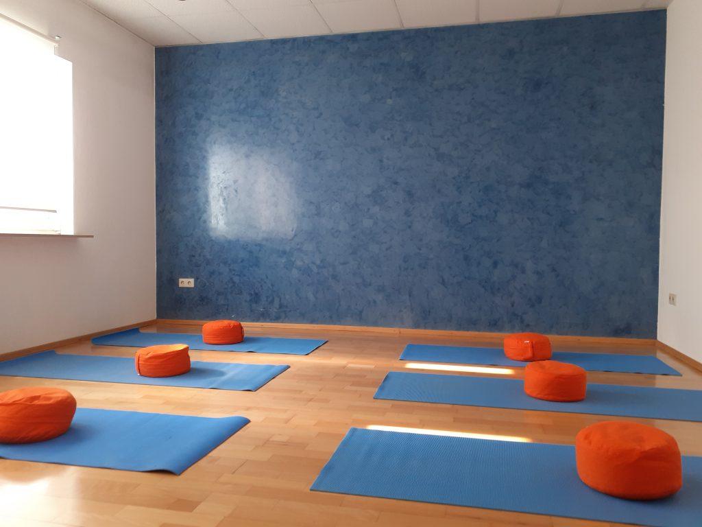 Blauer Übungsraum